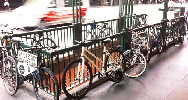 bicicletas-flinders-street-melbourne